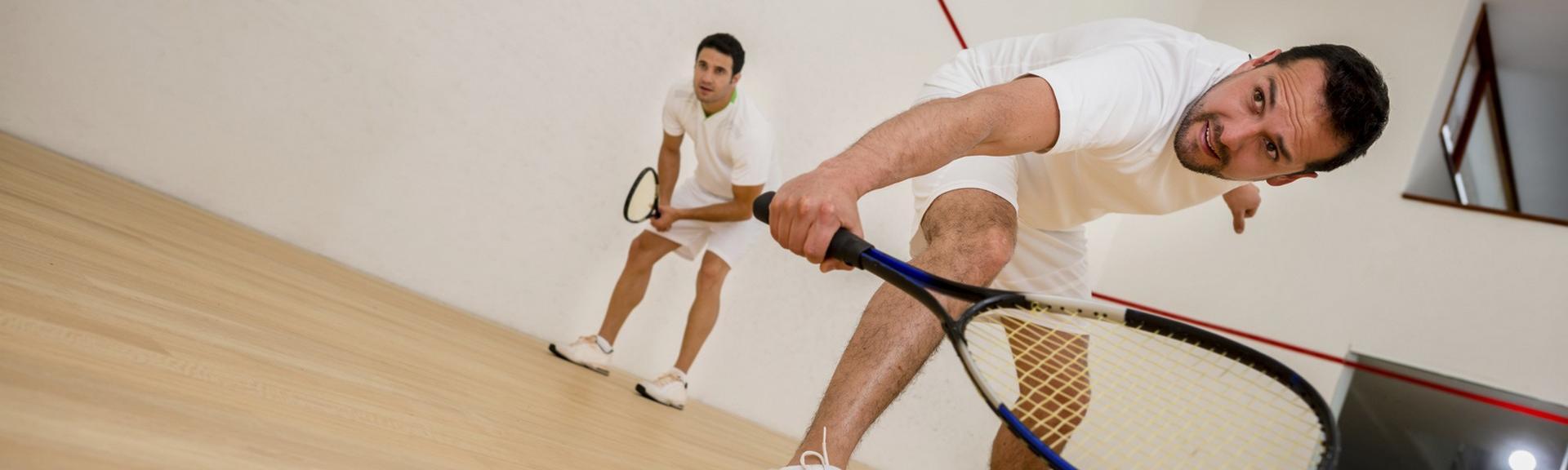 Le squash, un sport de raquette exigeant et intense