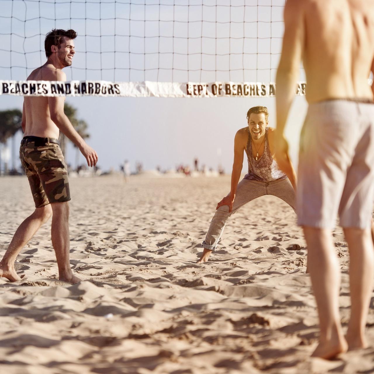 Le beach-volley, pour garder la forme sur la plage