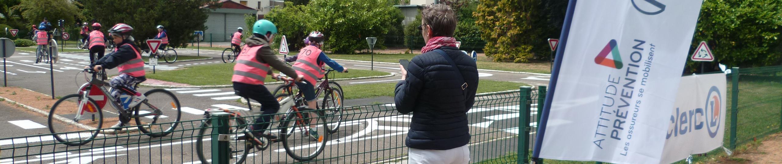Rentrée des classes et Semaine de la mobilité : focus sur l'enfant à vélo !