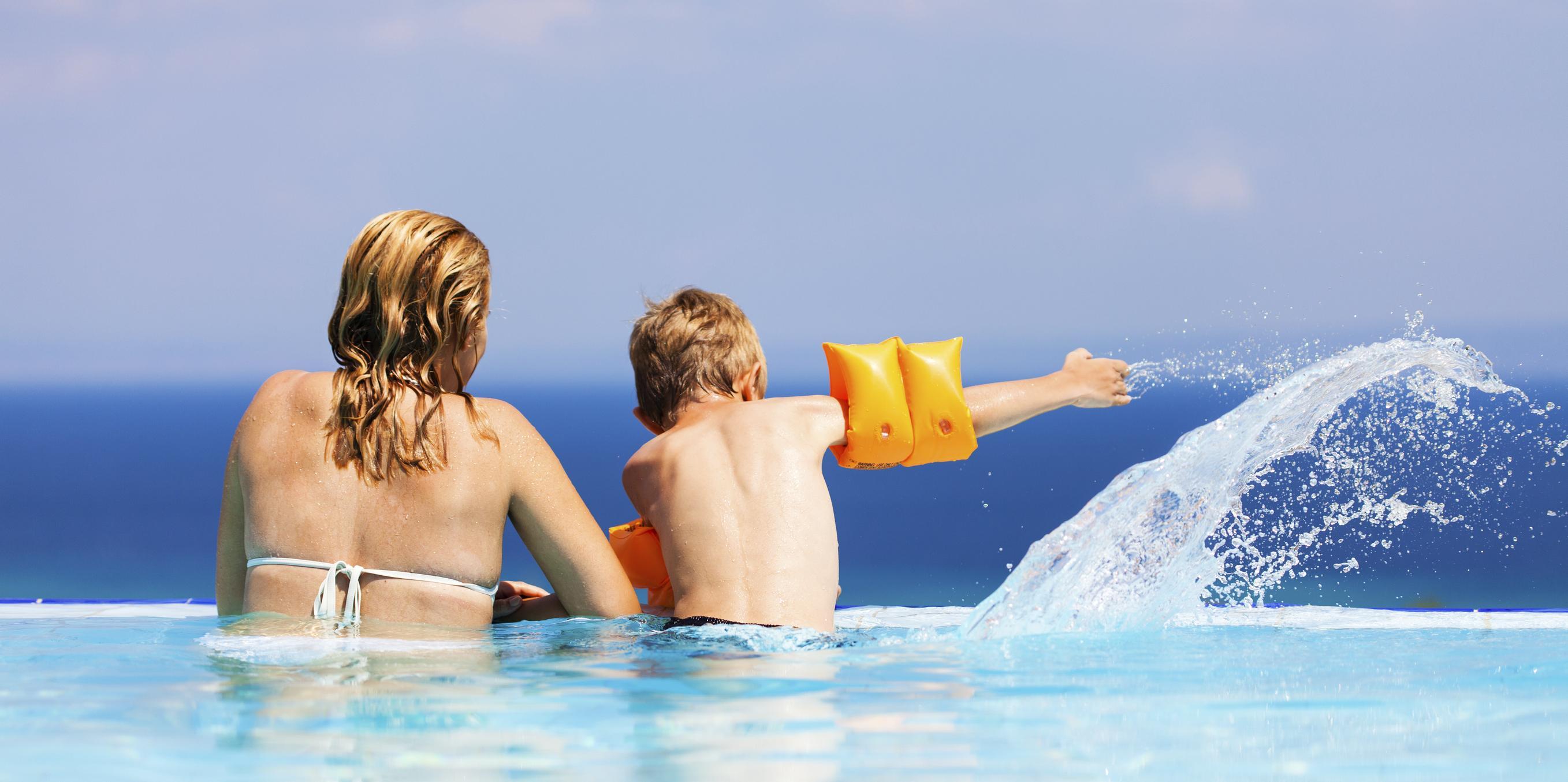 Prévenir les risques de noyade chez l'enfant et le bébé