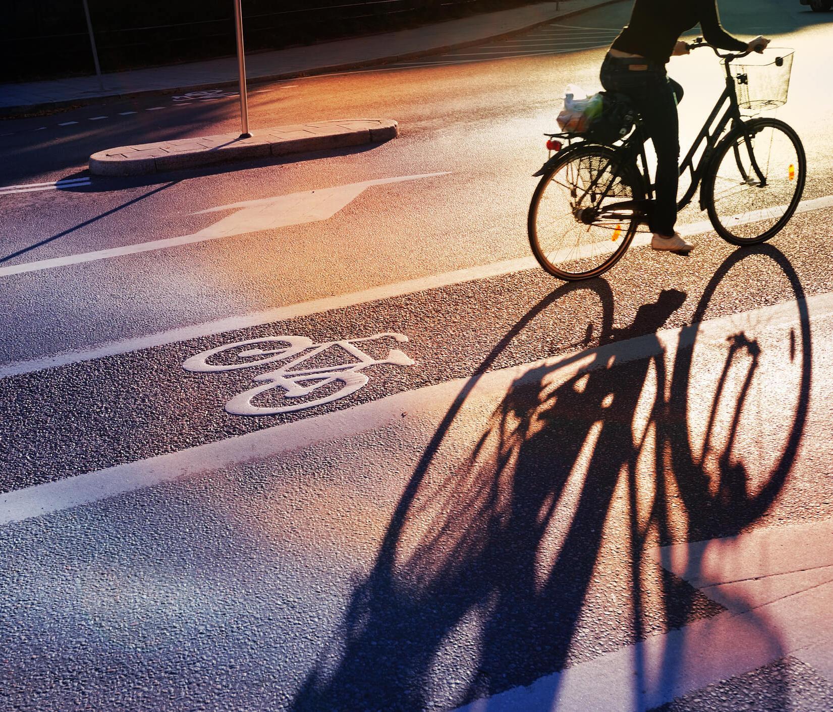 Entretien, équipement, règles de circulation : nos conseils pour faire du vélo en toute sécurité